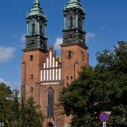 Bazylikę archikatedralną Św. Św. Piotra i Pawła