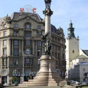 Lwów - kolumna Adama Mickiewicza
