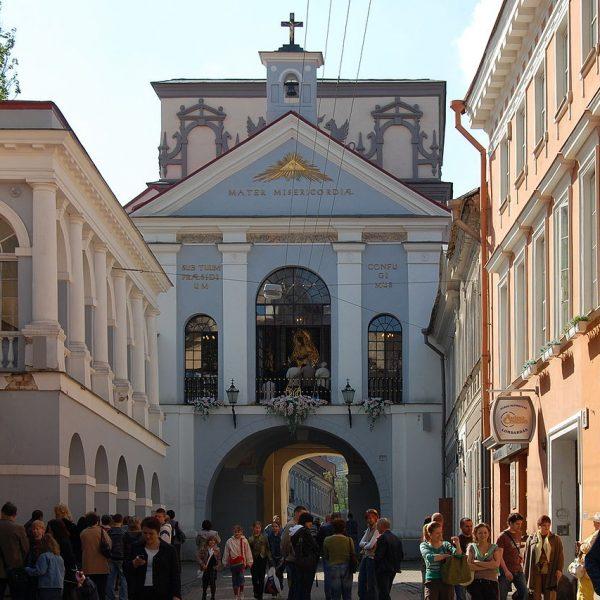 1280px-Vilnius_Dawn_Gate